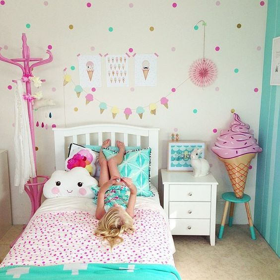 Yellow And Green Kids Room Ideas: ICE CREAM DECOR