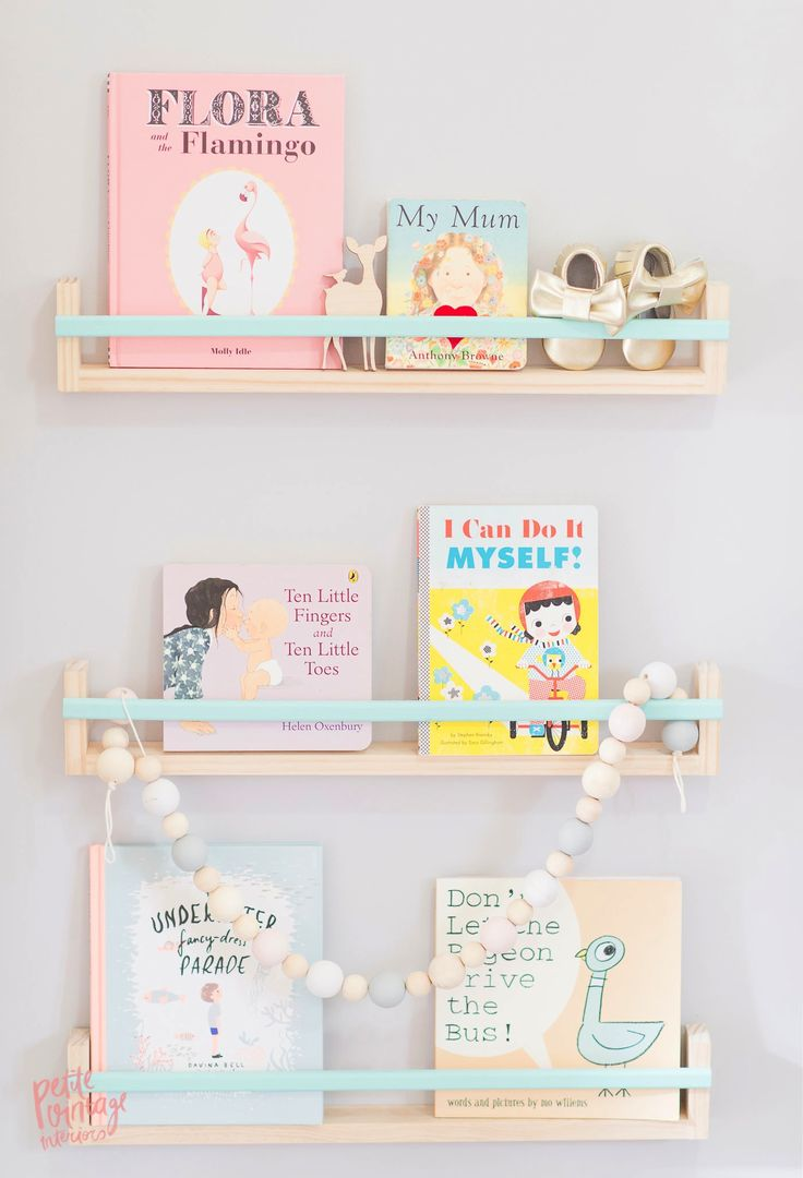 Lovely Shelfie Mommo Design