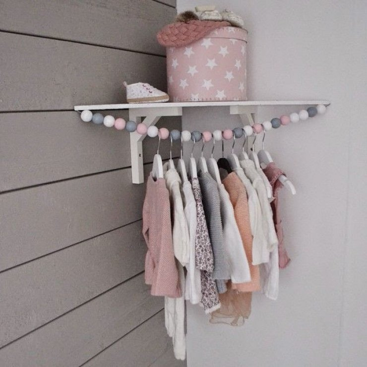 DIY cloth hanger for kids in the corner