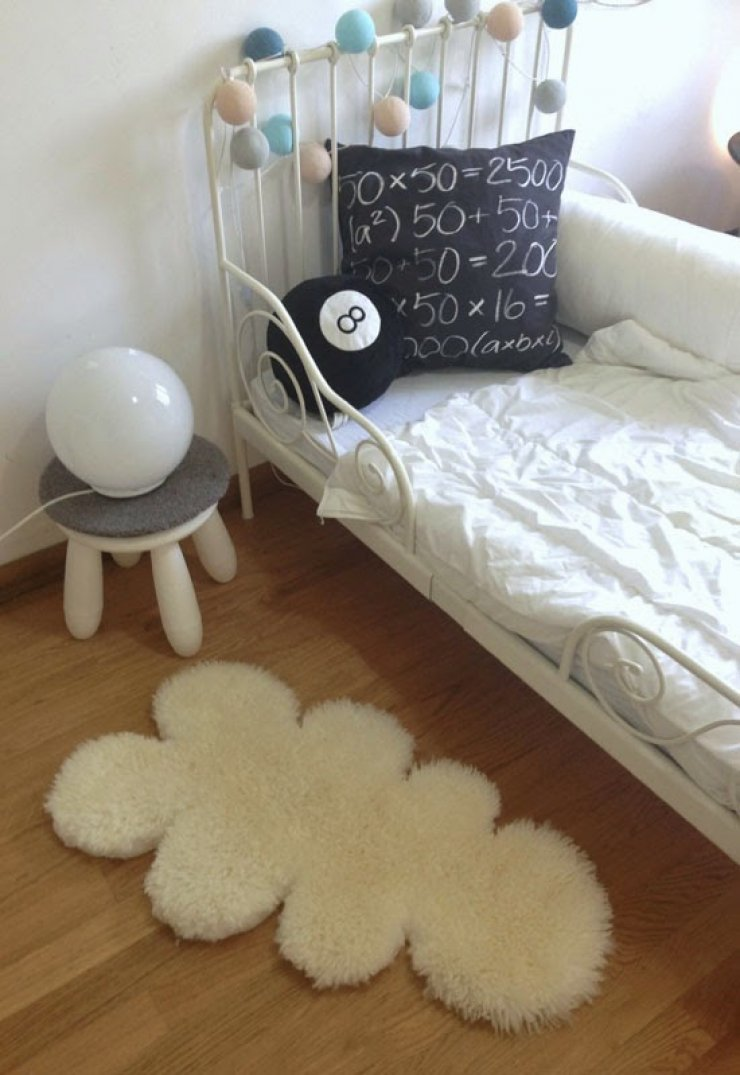 DIY cloud rug from Ikea sheep skin