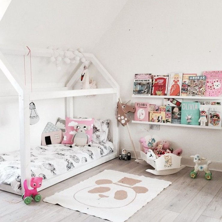 Girly reading corners mommo design for Chambre montessori