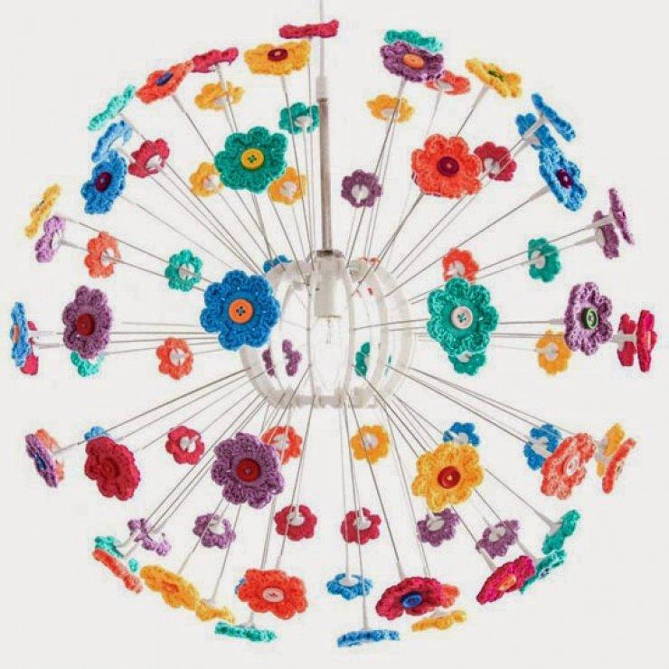 ikea maskros lamp makeover using crochet flowers