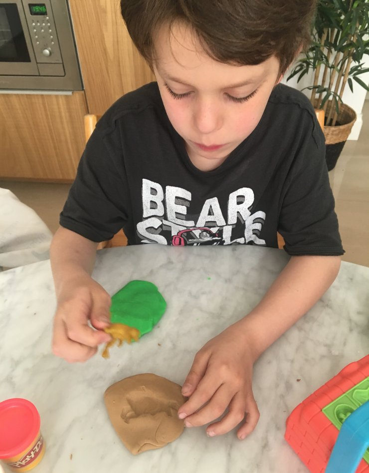 mommo design: PLAY DOH PARTY PIZZA