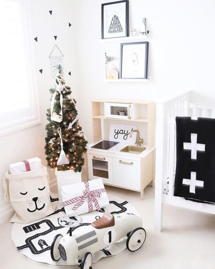 mommo design: XMAS TOUCH IN KID'S ROOM