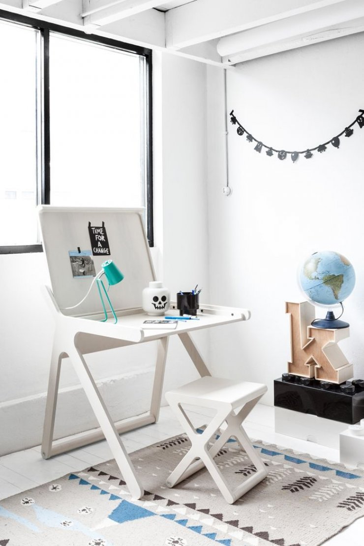 Kid S Desks Mommo Design