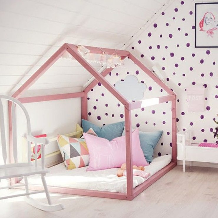 pink house framed bed