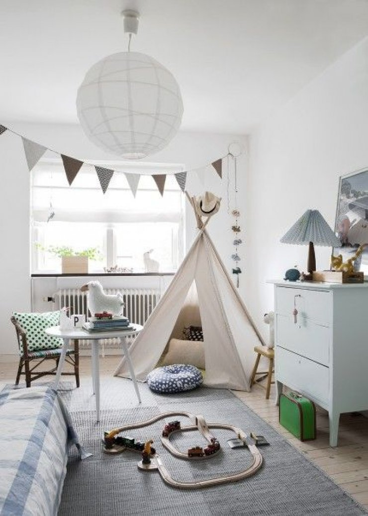 Simple soft and natural kid 39 s rooms mommo design - Toddler bedroom ideas for small rooms ...