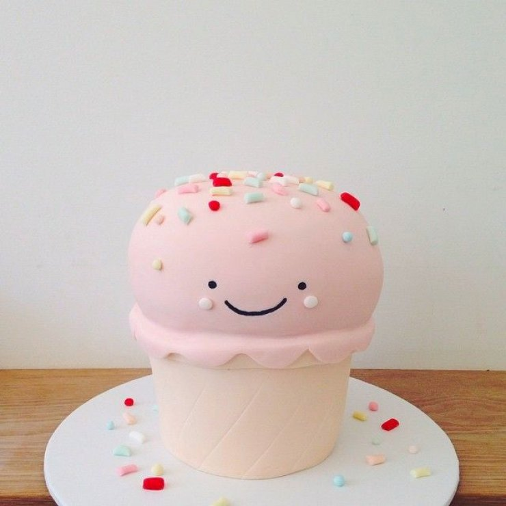 Images For Cute Cake : SUPER CUTE CAKES BY HELLO NAOMI Mommo Design