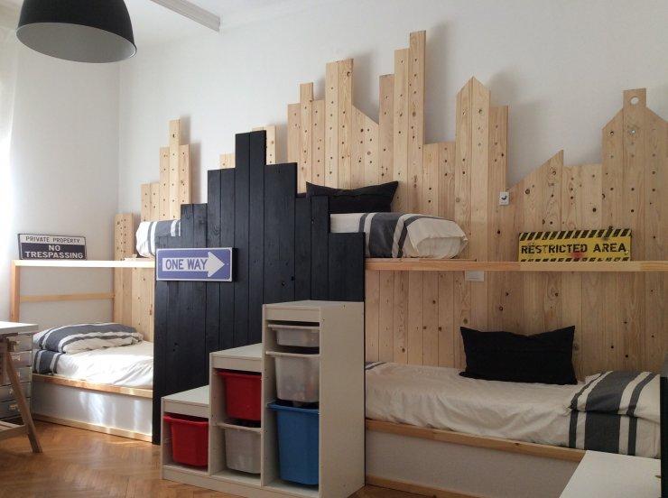 Ikea kura hack triple bunk bed mommo design for Ikea progetto camera