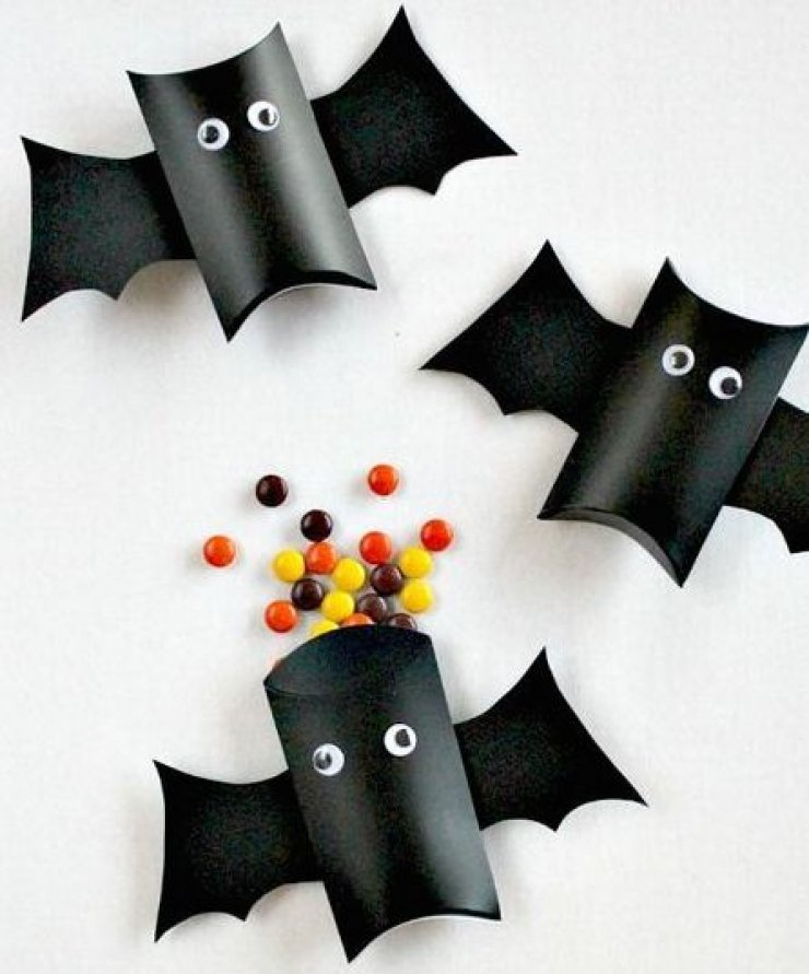 mommo design: HALLOWEEN BAT PARTY