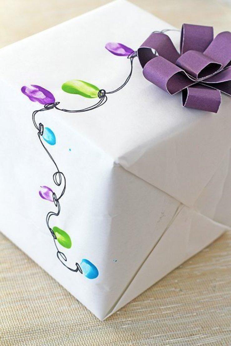 Diy fingerprint strand lights wrapping paper