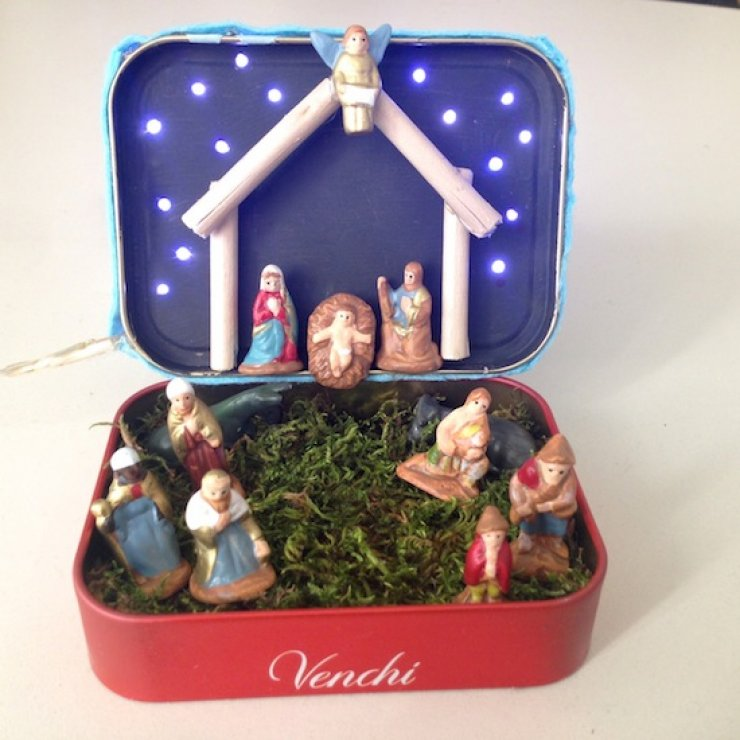 Diy portable Nativity in a mint tin