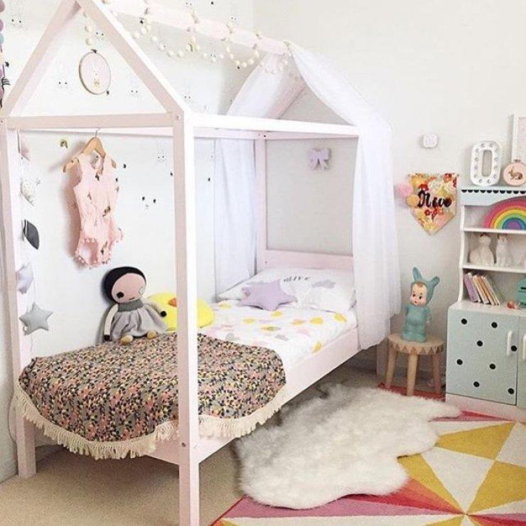 Marvelous Mommo Design: 10 HOUSE FRAMED BEDS