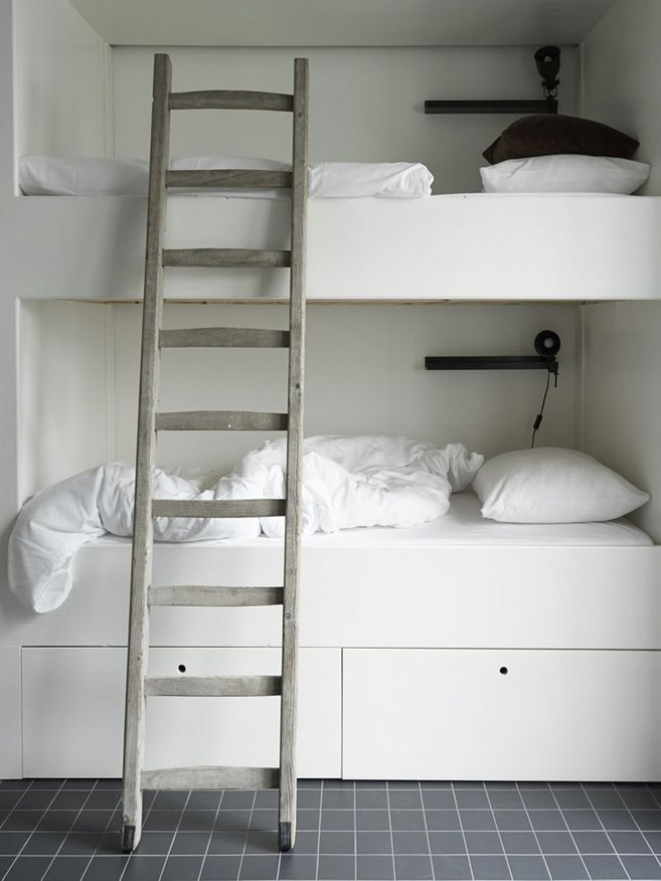 minimalistic bunk bed