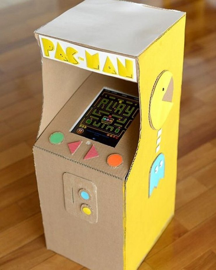 Home Game Room: CARDBOARD TOYS