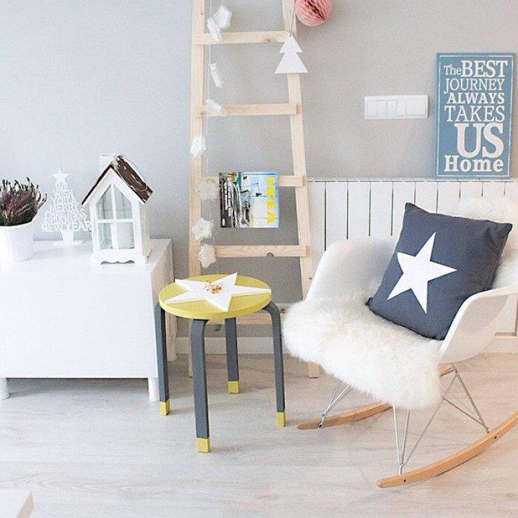 Ikea Frosta stool + star